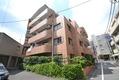 東京都渋谷区、初台駅徒歩18分の築30年 5階建の賃貸マンション